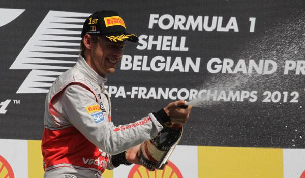 Análisis GP de Bélgica: Button se reencuentra con la victoria en el primer abandono de Alonso
