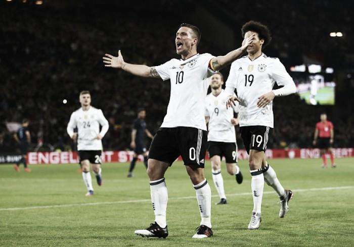 Despedida brilhante: Podolski faz pintura e garante vitória da Alemanha sobre Inglaterra