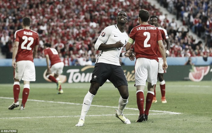 Switzerland 0-0 France: Both teams qualify following a monotonous draw