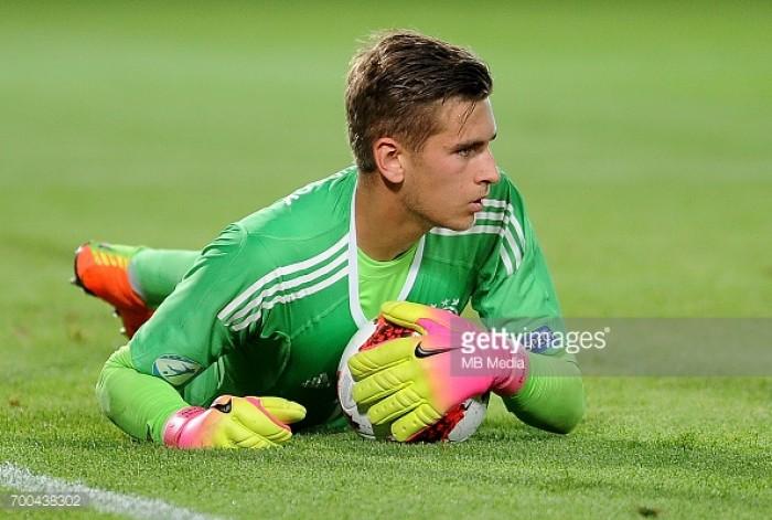 Hamburg seal deal for Germany U21 goalkeeper Julian Pollersbeck