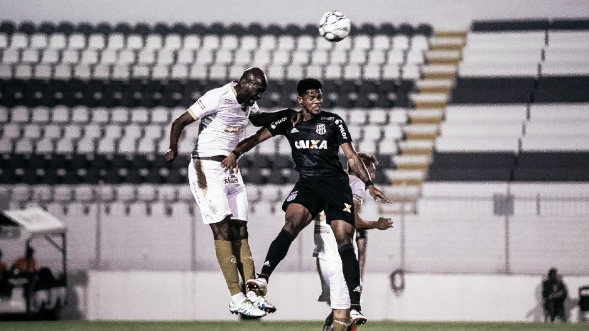 """Técnico da Ponte, Brigatti condena árbitro por expulsão de Paulinho: """"Não pode acontecer"""""""