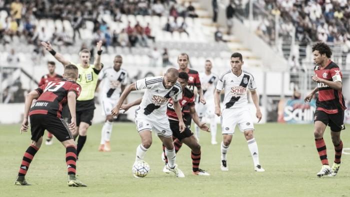 Com arbitragem confusa, Flamengo vence Ponte Preta de virada