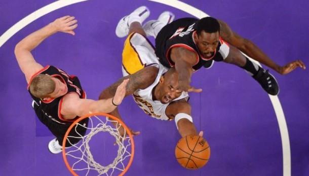 Damian Lillard, Portland Trail Blazers Thump Slumping Los Angeles Lakers