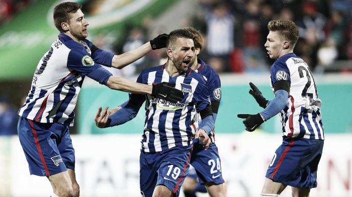 Hertha pasa a semifinales a medio gas