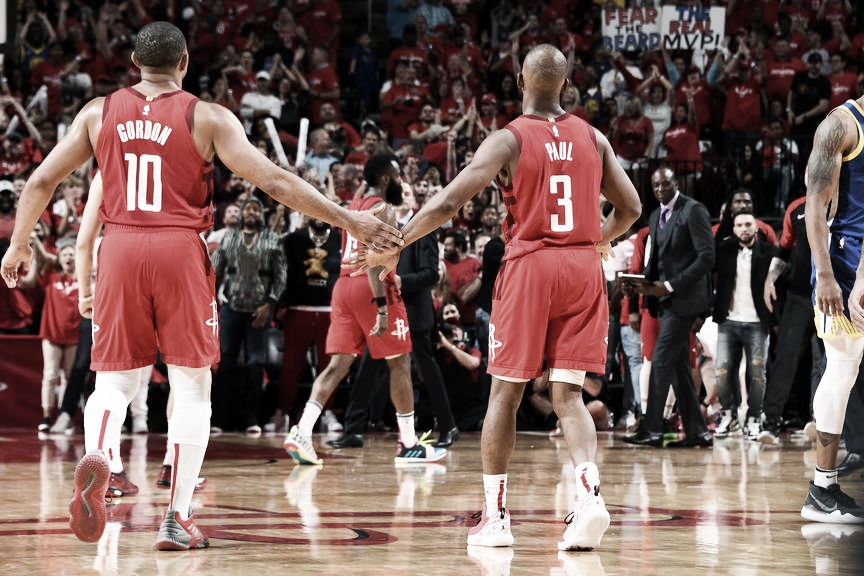 Playoffs NBA: En el suplementario Houston derrotó a los Warriors y puso la serie 1-2