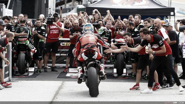Chaz Davies revive Ducati