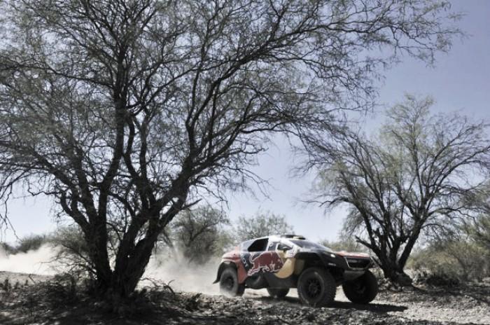 Rally Dakar 2016: 'Monsieur Dakar' da un paso hacia el título yHirvonen se estrena