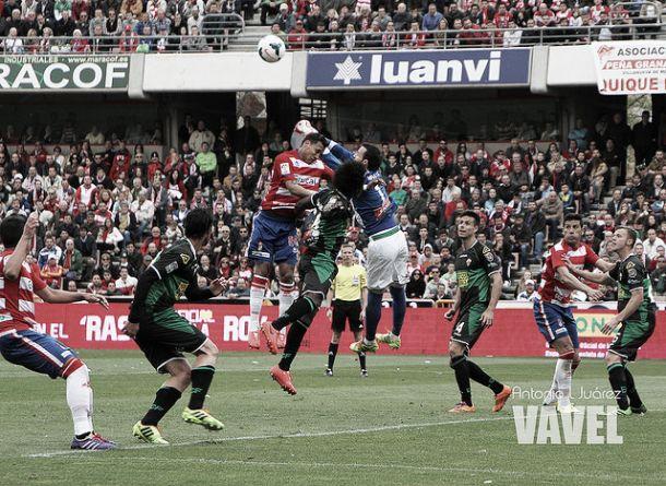 Granada CF - Elche CF: ganar como imperativo