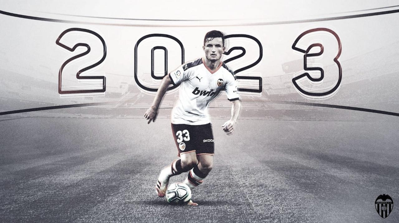 Oficial: Hugo Guillamón renueva hasta 2023