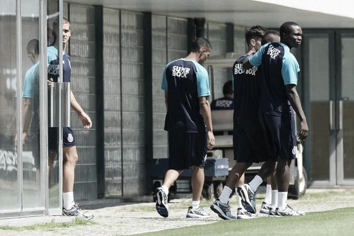 FC Porto sem 12 internacionais no regresso ao Olival