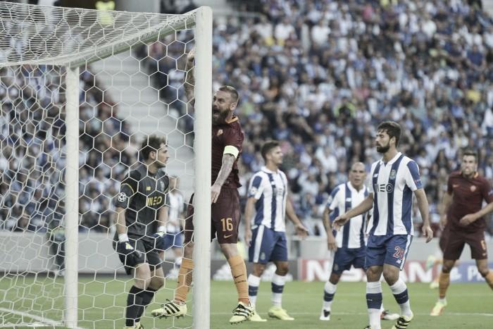Com um a menos, Roma segura pressão e empata com Porto pela ida dos playoffs da UCL