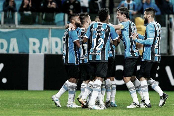 Grêmio supera Ponte Preta com virada e reduz diferença em relação ao líder Corinthians