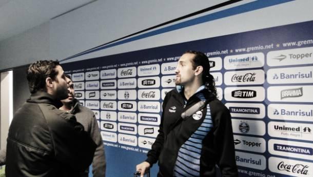 """Renato Portaluppi fala em """"acidente de trabalho"""" após a derrota para o Santos"""
