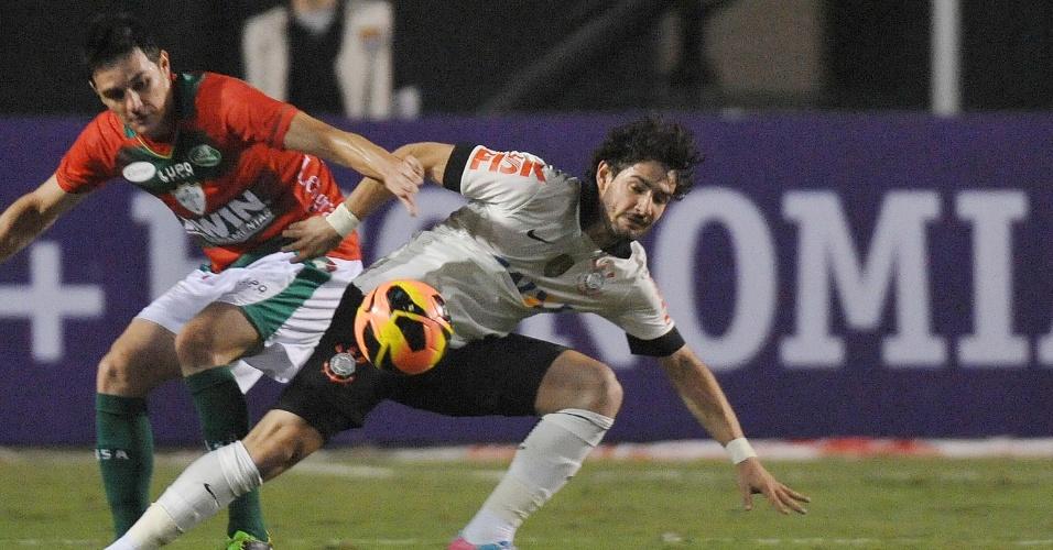 Corinthians é parado pela retranca da Portuguesa e apenas empata no Pacaembu