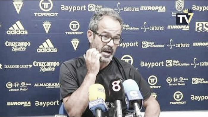 """Álvaro Cervera: """"No puedo decir a un jugador que no tire los penaltis"""""""