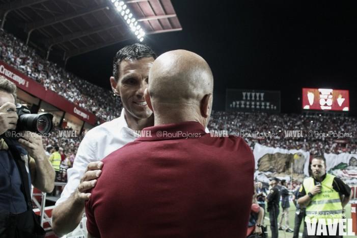 """Gustavo Poyet: """"Me gustaría que me llamaran los árbitros y me expliquen por qué"""""""