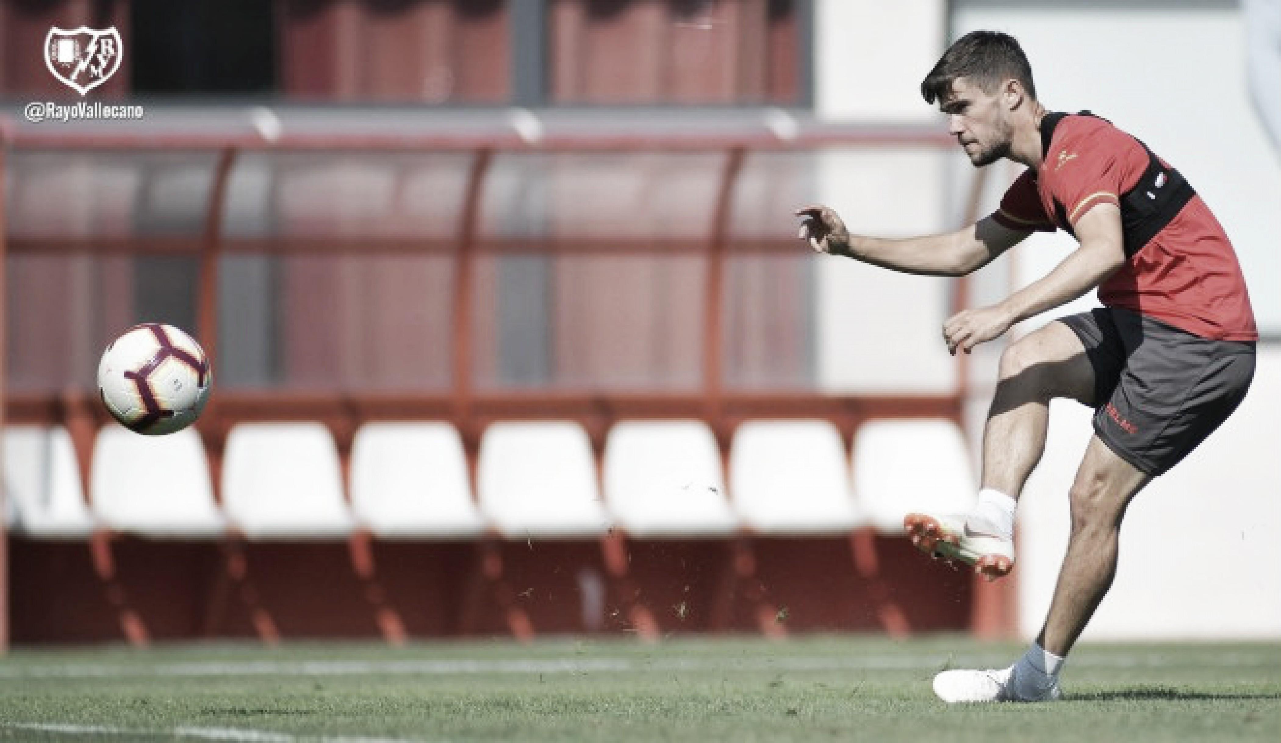 Los aficionados del Alavés agotan las entradas para el partido en Vallecas