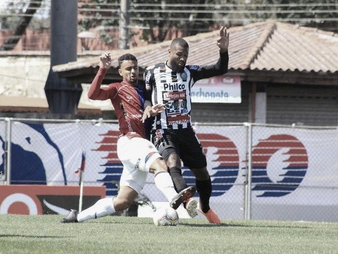 Em jogo truncado, Paraná empata com Operário-PR e continua líder da Série B