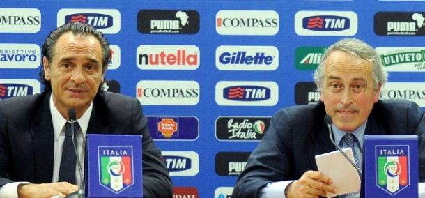 Disfatta Italia, Prandelli e Abete si dimettono