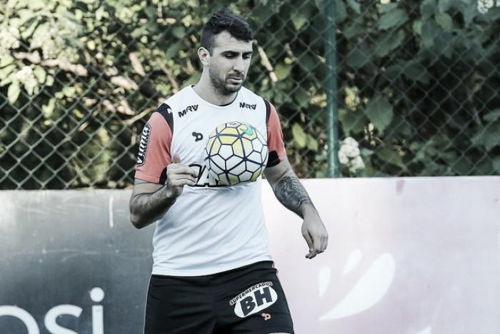 """Pratto diz desconhecer possível interesse do São Paulo: """"Não penso em outro time do Brasil"""""""