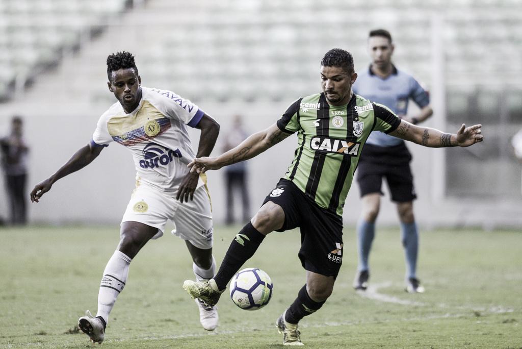 Chapecoense e América-MG fazem duelo decisivo na luta contra rebaixamento