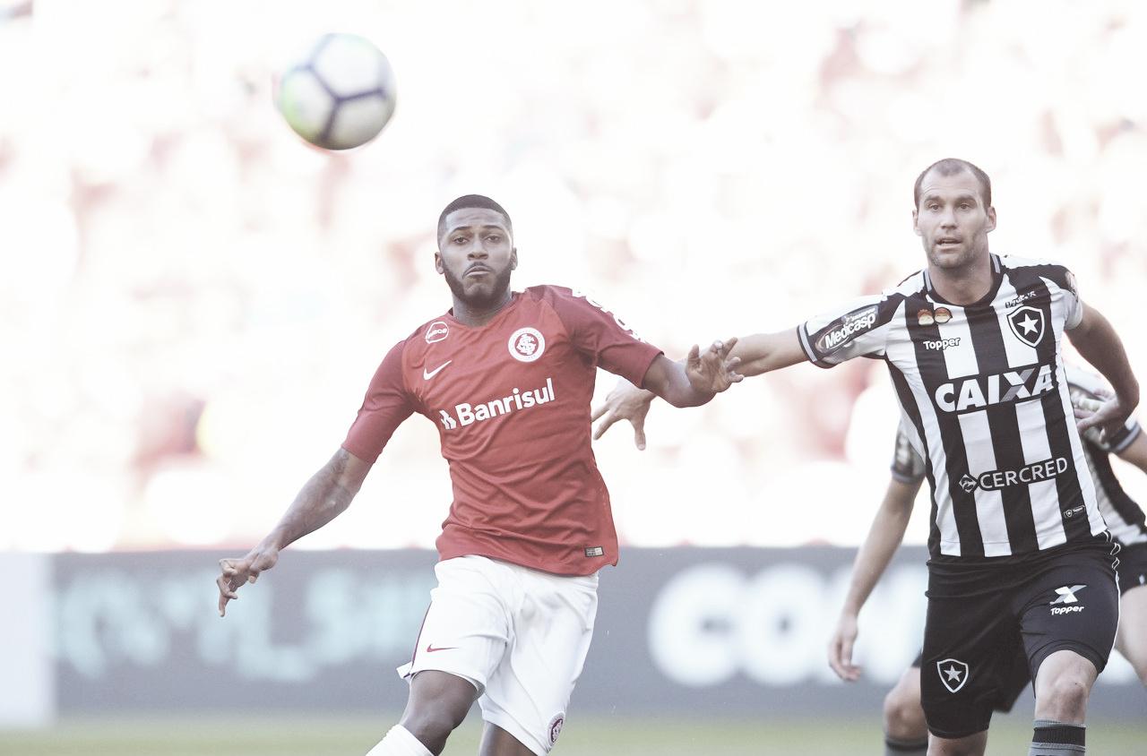 Em duelo decisivo na parte de cima da tabela, Internacional visita o Botafogo