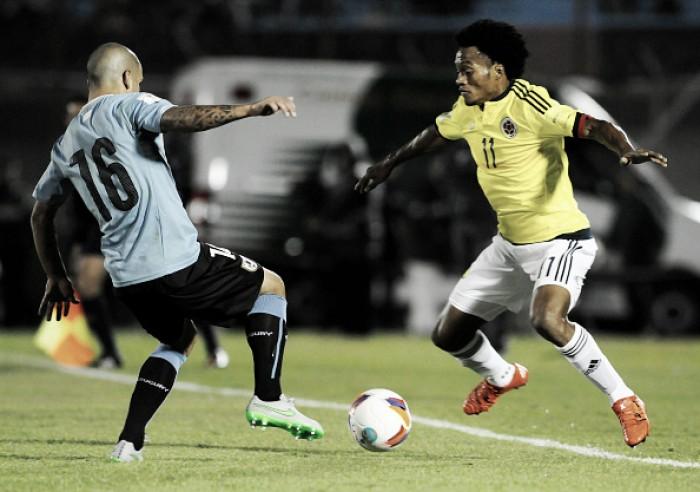 Embalado, Uruguai defende liderança das Eliminatórias contra Colômbia