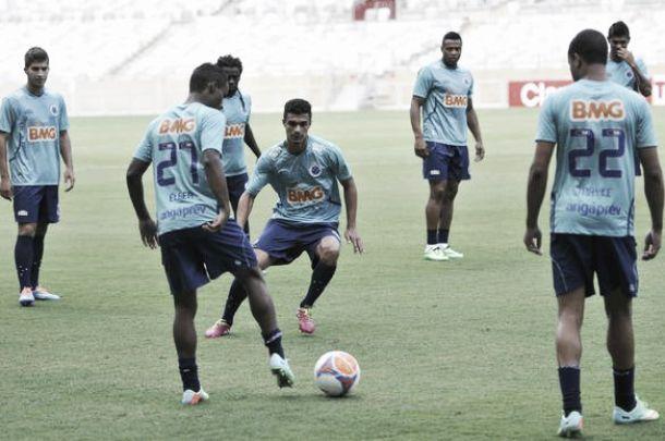 Estreando na temporada, Cruzeiro recebe a URT no Mineirão