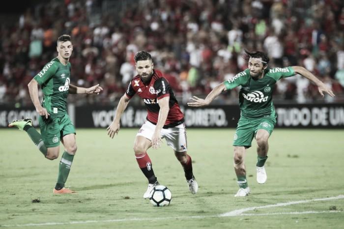 Em situações distintas no Brasileiro, Chapecoense e Flamengo se enfrentam na Copa Sul-Americana