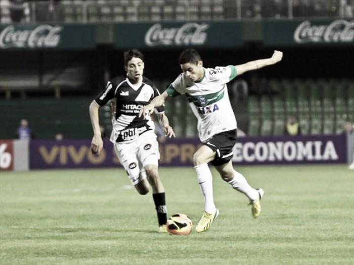Com novo treinador, Ponte Preta recebe Coritiba para fechar ano com campanha histórica