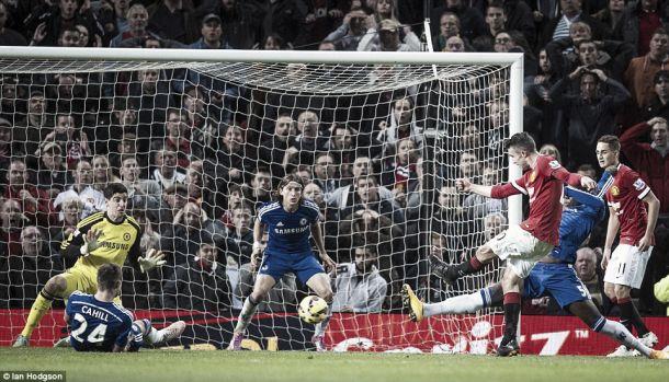 Premier League: Chelsea de Mourinho continua no topo
