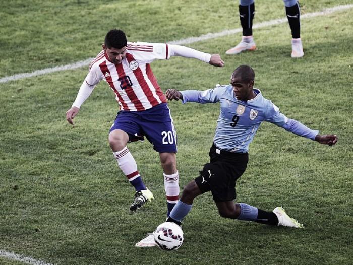 Em confronto direto pelas Eliminatórias, Uruguai recebe Paraguai no Centenário