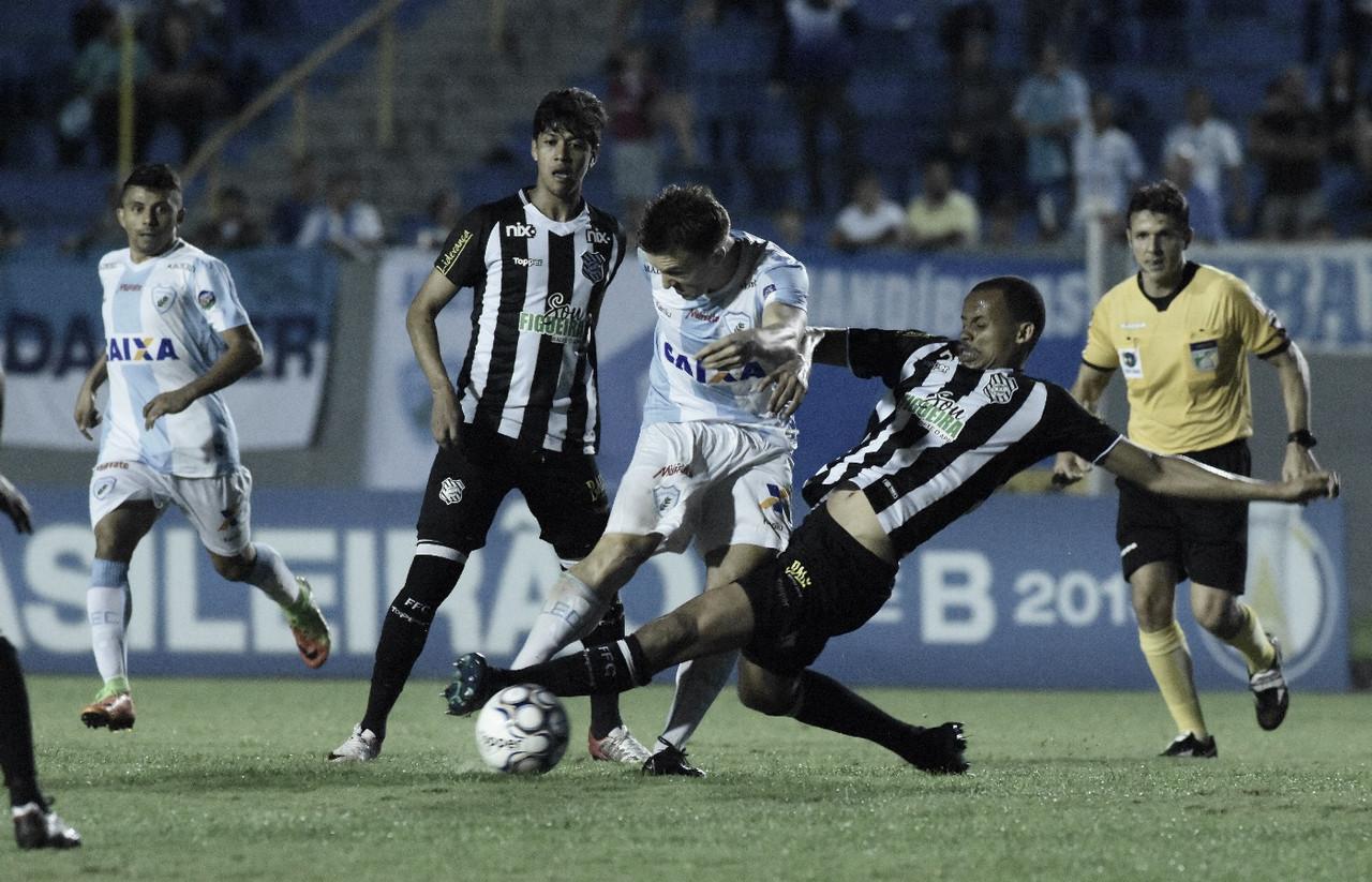 Em confronto direto por vaga no G-4, Figueirense e Londrina se enfrentam no Scarpelli