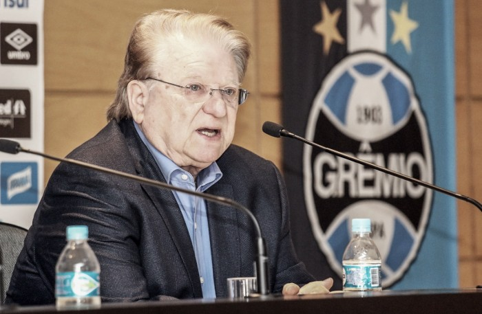 """Vice de futebol, Preis pede cautela ao Grêmio: """"Descuido pode fazer vantagem esfumaçar"""""""