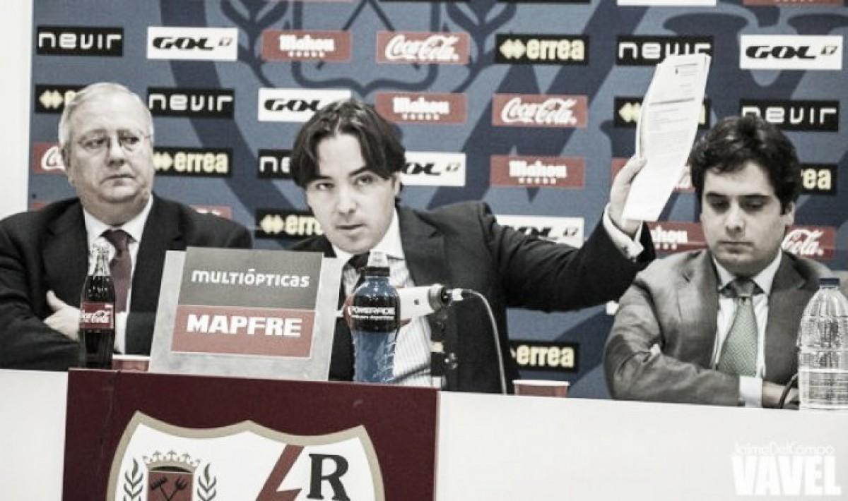 La directiva del Rayo llegó con guardaespaldas al estadio de Vallecas
