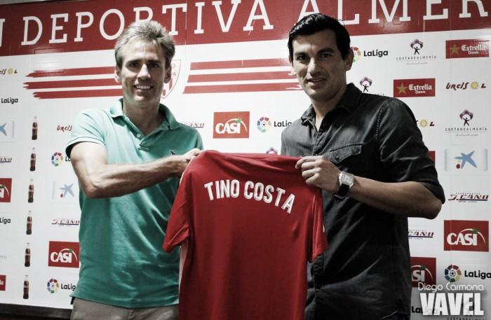 """Tino Costa, en su presentación: """"Estoy muy ilusionado con este Almería"""""""