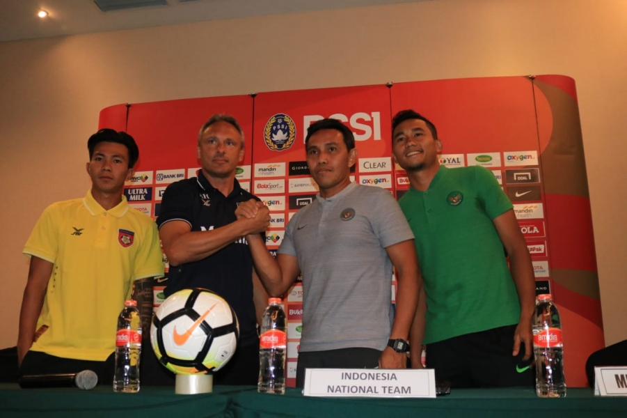 Luis Milla Belum Jelas, Bima Sakti Siap Latih Timnas Indonesia