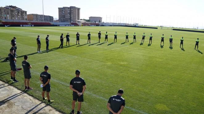Una semana para que el Granada CF de Robert Moreno comience a andar