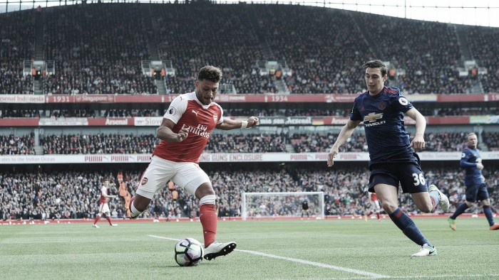 Previa Arsenal – Manchester United: pegarse o despegarse