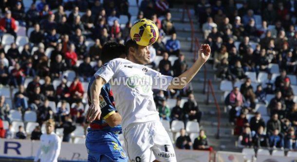 Llagostera - Albacete Balompié: con los 'playoffs' y la permanencia en mente