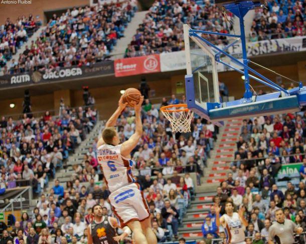 Río Natura Monbus - Bilbao Basket: a Málaga se va por Santiago