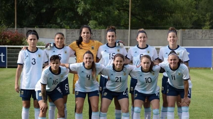 Selección Femenina Argentina: Amistosos y triunfos