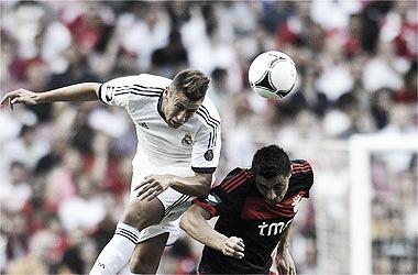 """""""Manotazo"""" del Benfica a un Madrid desdibujado"""