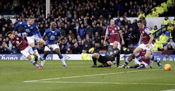 El Everton continúa goleando en Goodison Park