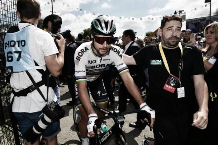 Tour de France, Peter Sagan squalificato dopo la gomitata a Cavendish nello sprint di Vittel
