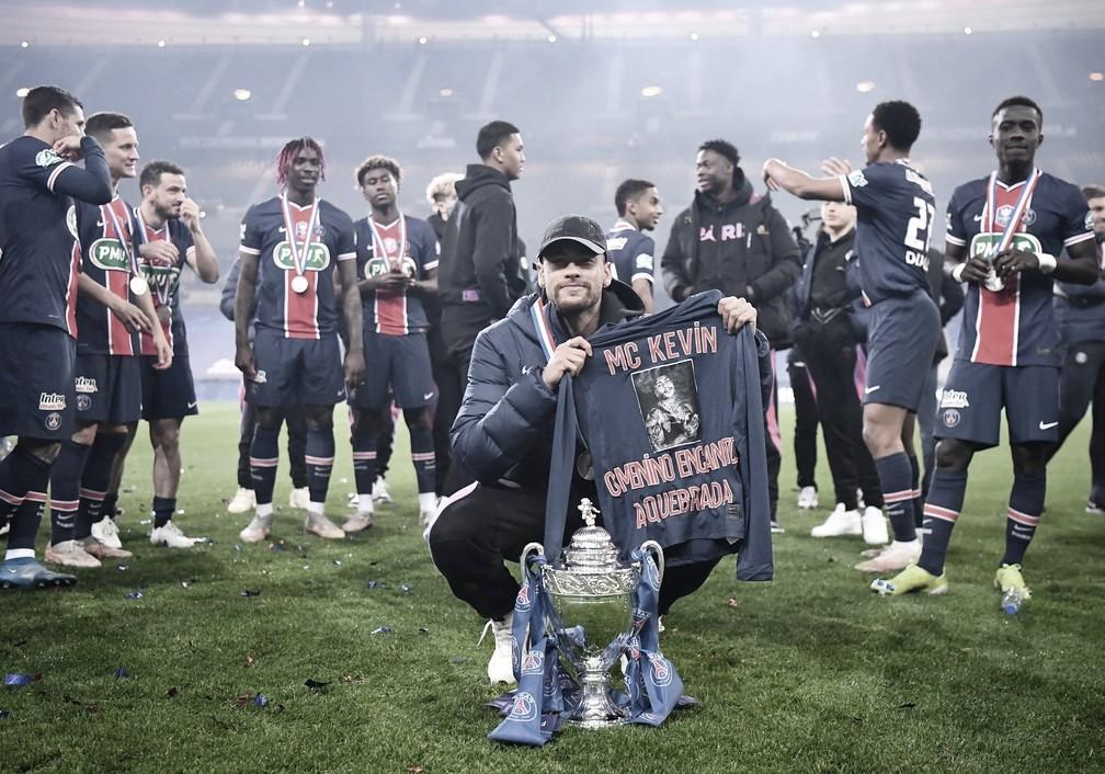 Neymar homenageia MC Kevin após título da Copa da França; PSG espera definição da Ligue 1