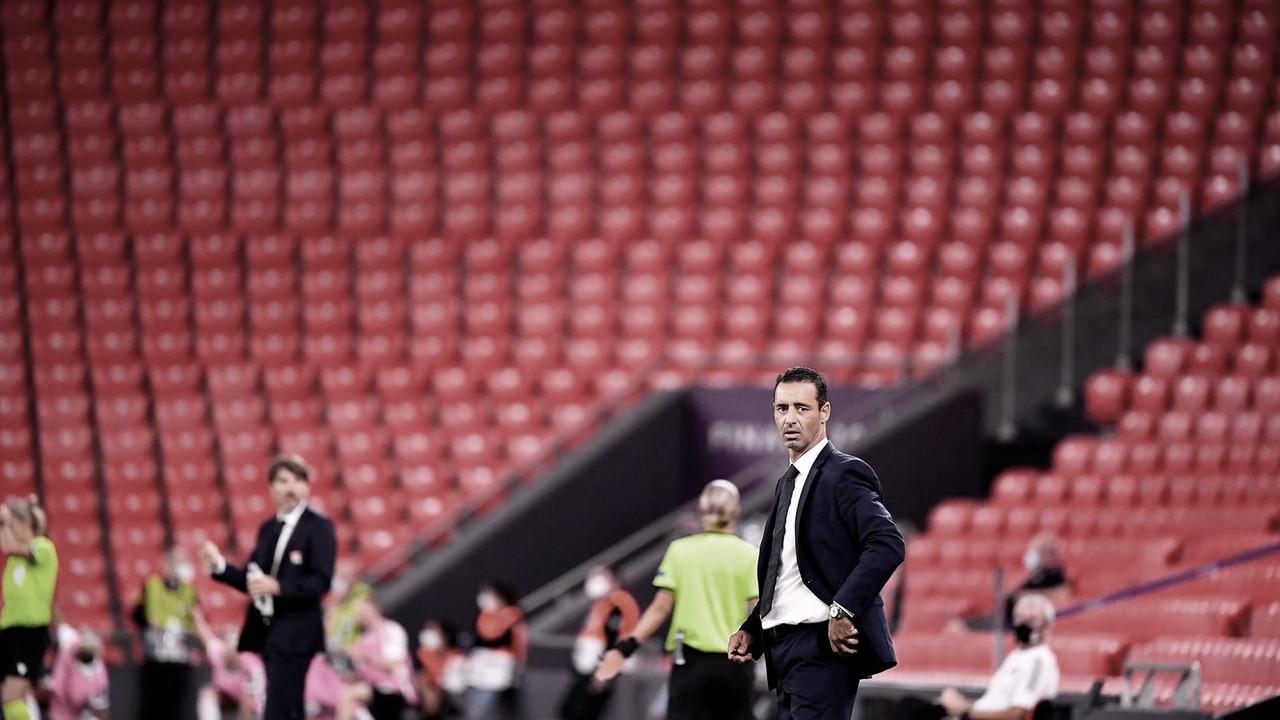 Técnico Echouafni valoriza espírito guerreiro após PSG cair na Champions League Feminina