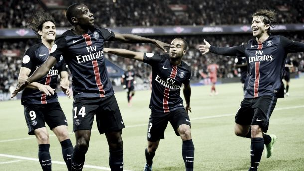 Paris, en toute tranquillité, prend la tête du championnat