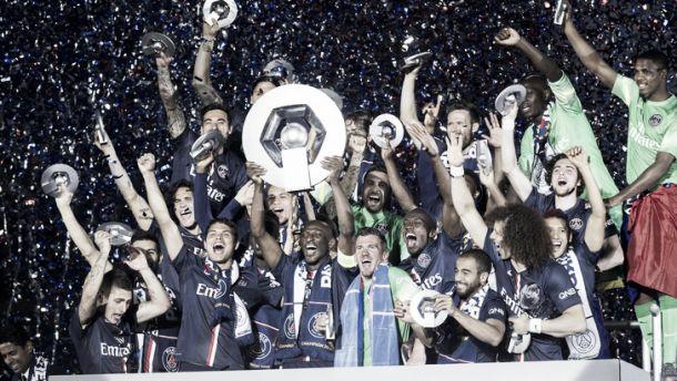 Ancora Cavani, il Psg alza la Coppa di Francia. Auxerre a testa alta