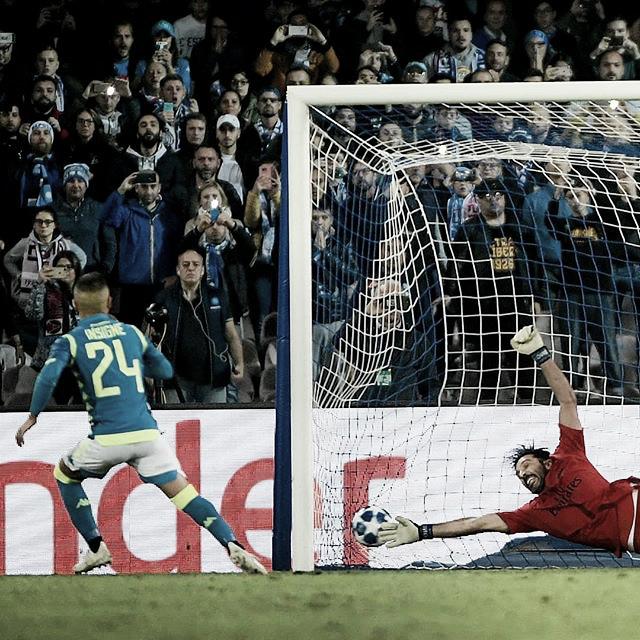 Insigne marca eNapoli e arranca empate com Paris Saint-Germain pelo grupo C da UCL